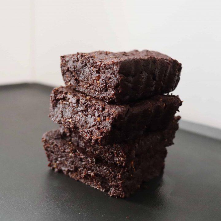 4 brownies piled up