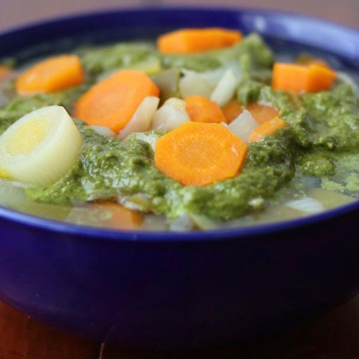 Un bol de soupe au pistou