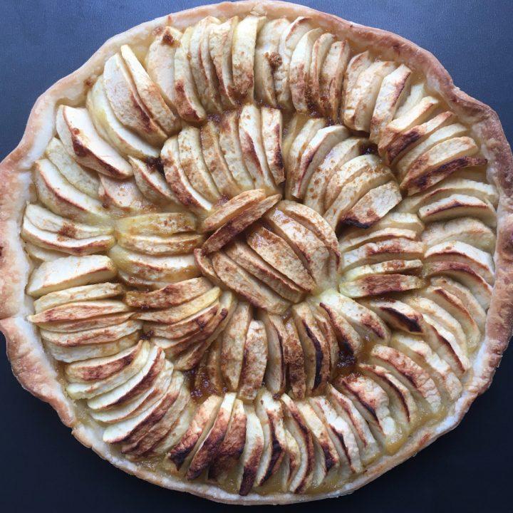 gros plan sur une tarte aux pommes