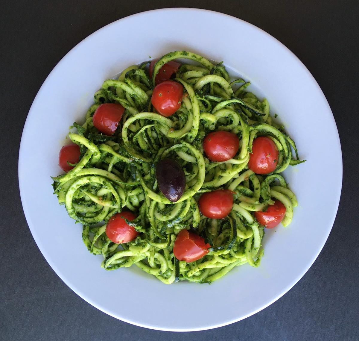 Spaghetti de courgette au pesto (paléo, vegan)
